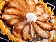 Лек ябълков пай с готово бутер тесто и шоколадов топинг